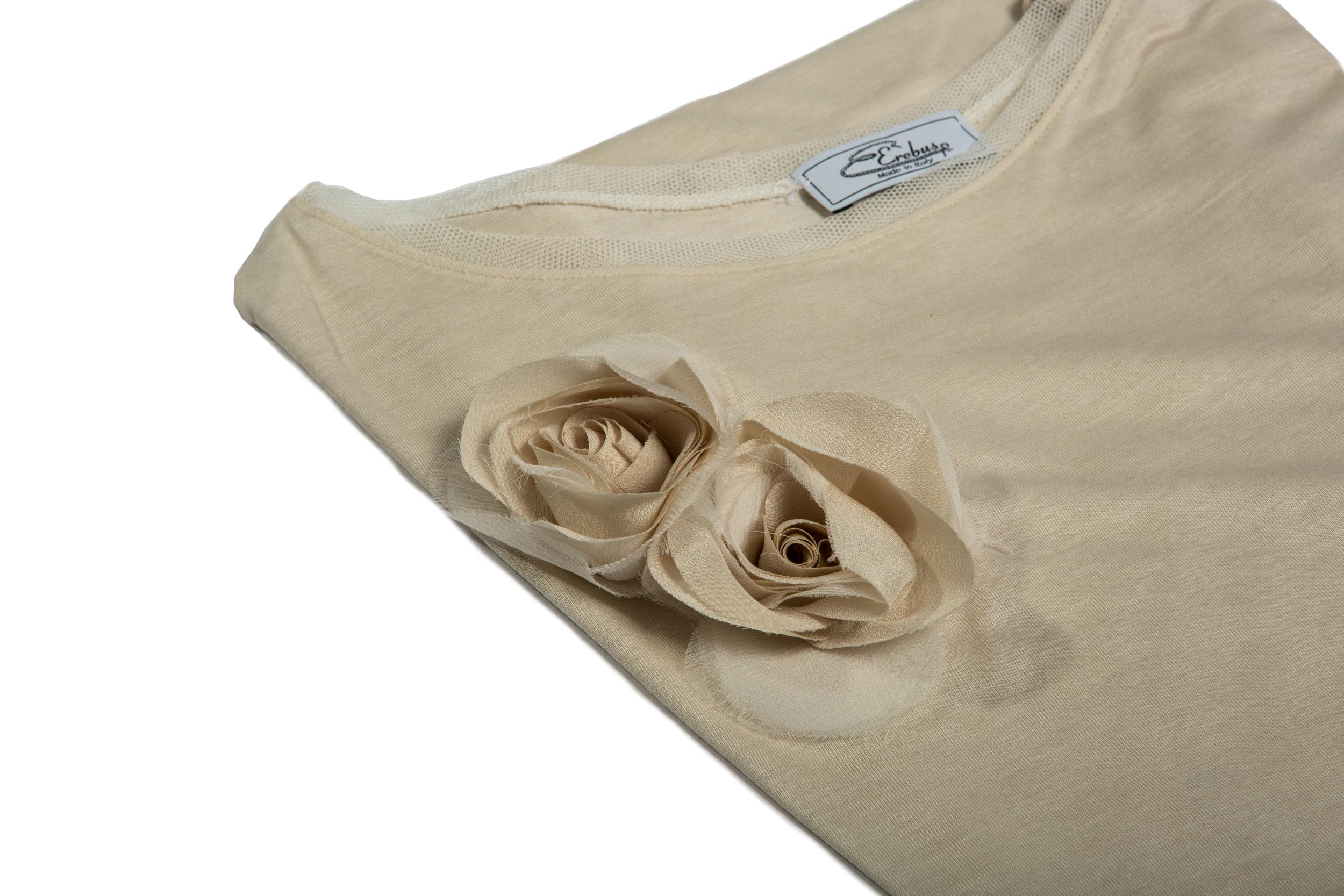 T-shirt in viscosa/seta con applicazione