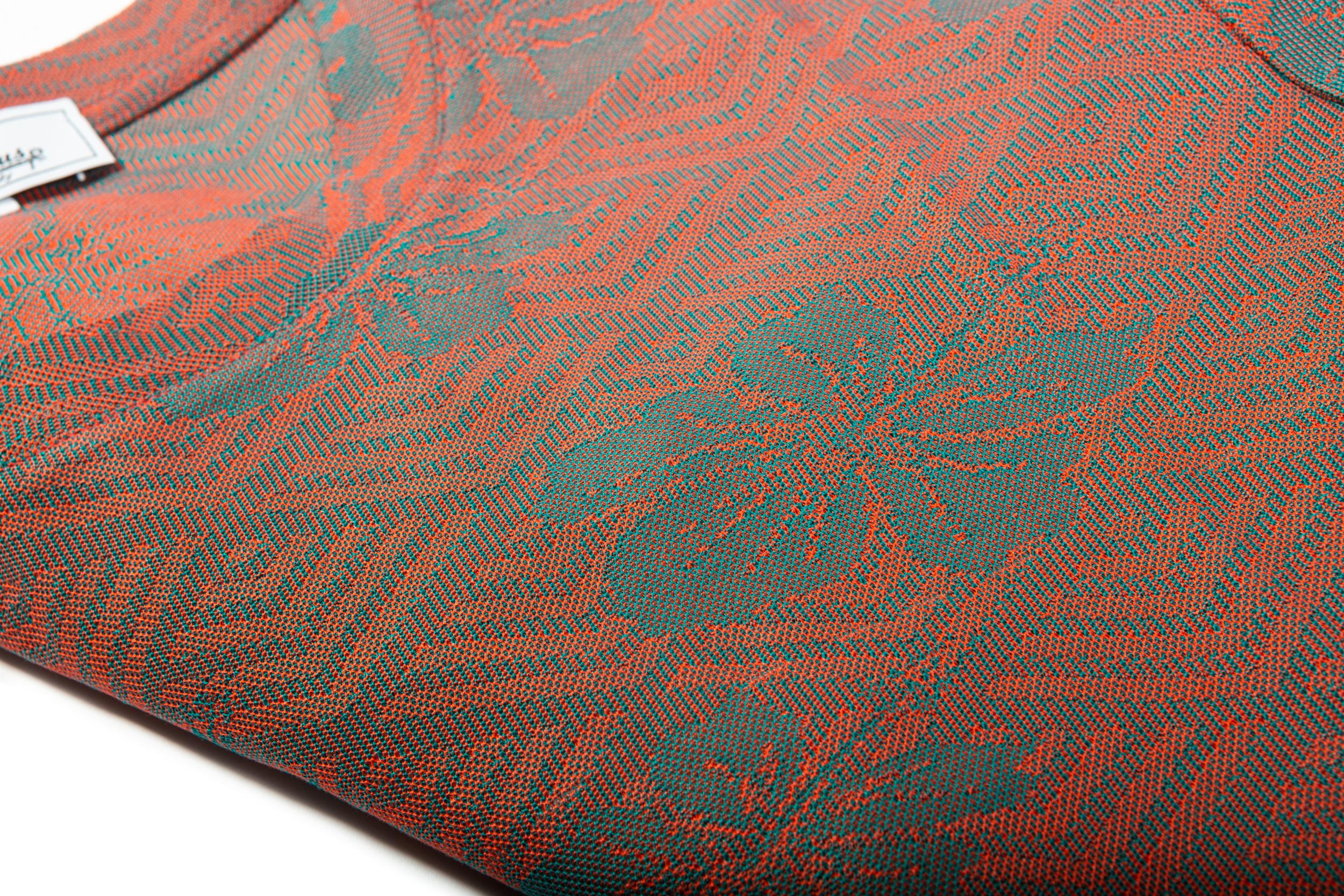 Dettaglio tessuto maxi jacquard in cotone disegno fiore
