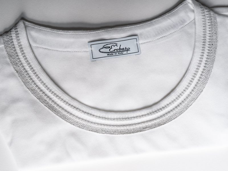 collo jaquard tshirt bianco e argento